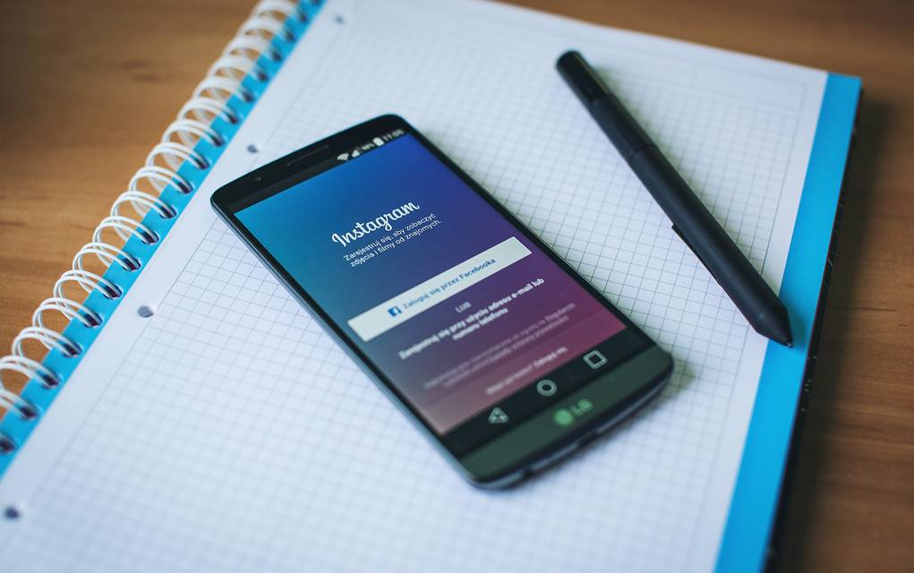 Instagram Following Facebook; Going the Algorithm Way
